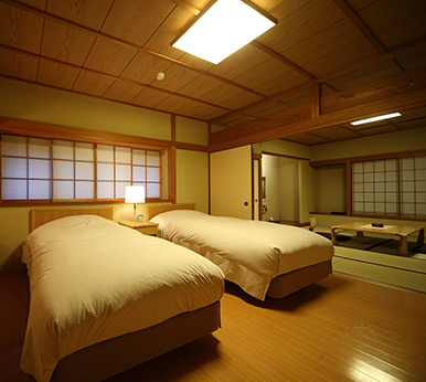 An old-established ryokan situated in the center of Ureshino Onsen, Saga Prefecture.[TAISHOYA]
